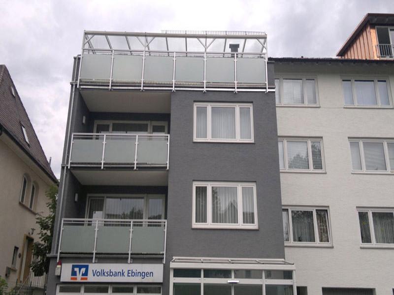 Geländer in silber und Glas
