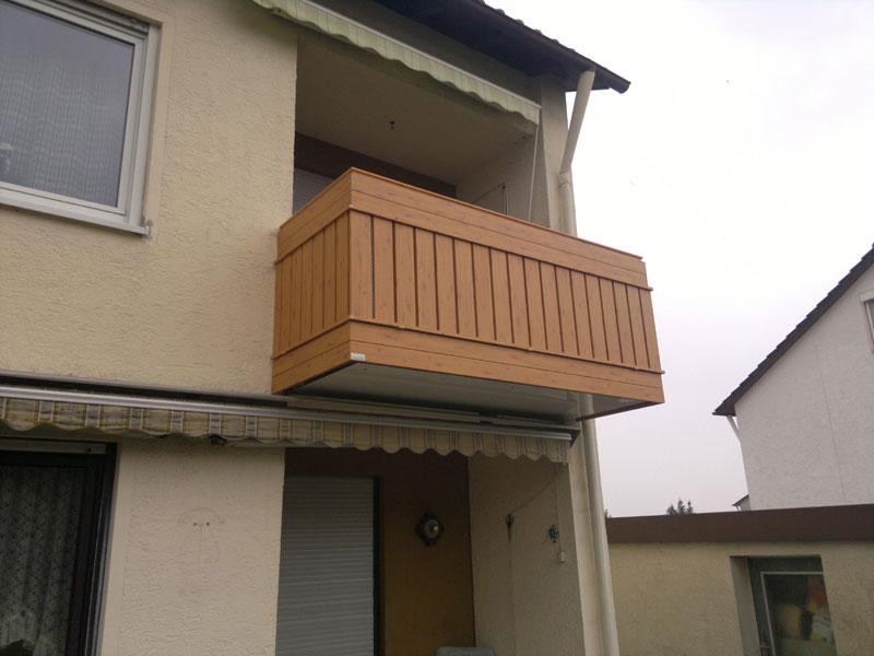 Geländer in Ehingen aus Holzdekor Astfichte