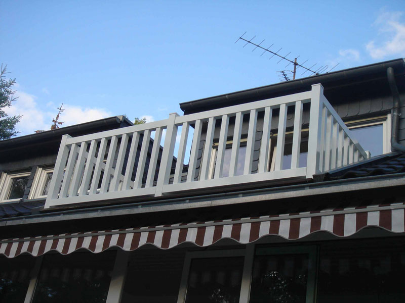 Balkonbrüstung in weiß