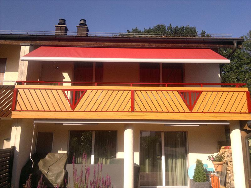 Geländer in der Schweiz bei Sonnenschein