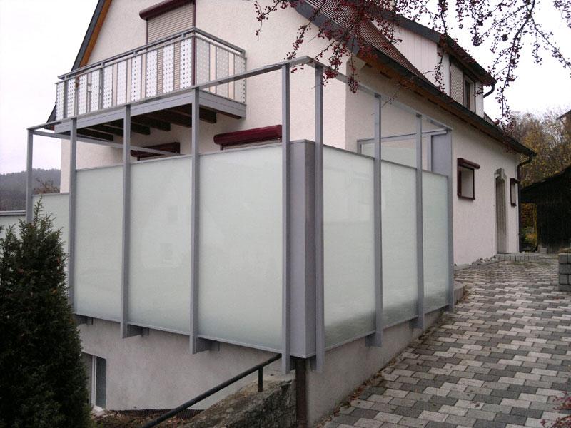 Sichtschutz und Geländer