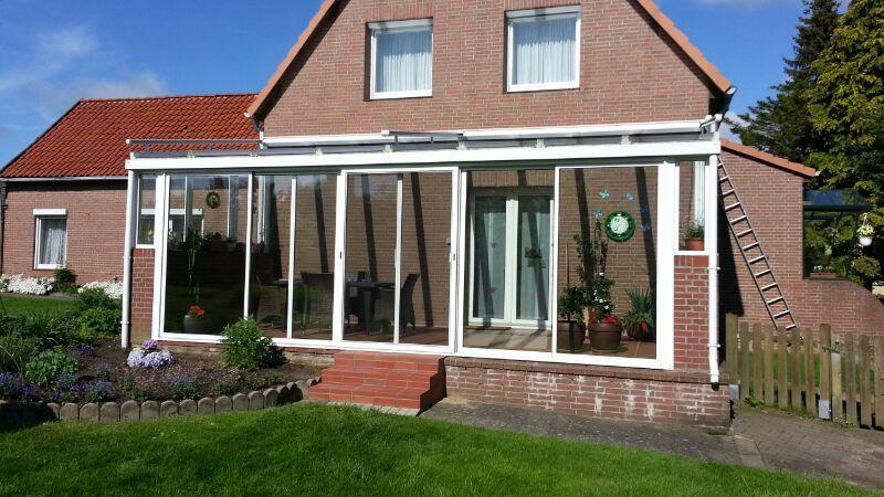 Balkonverglasung mit Rahmen