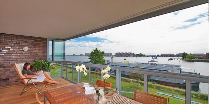 Balkonverglasung ohne Rahmen