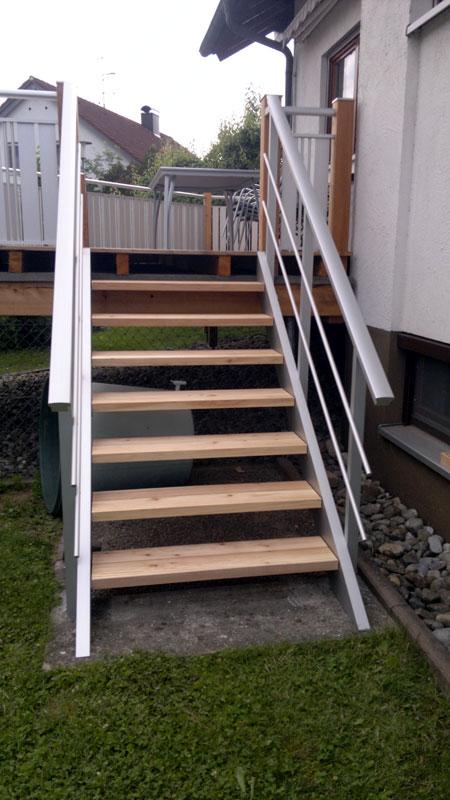 Treppe in Alu eloxiert