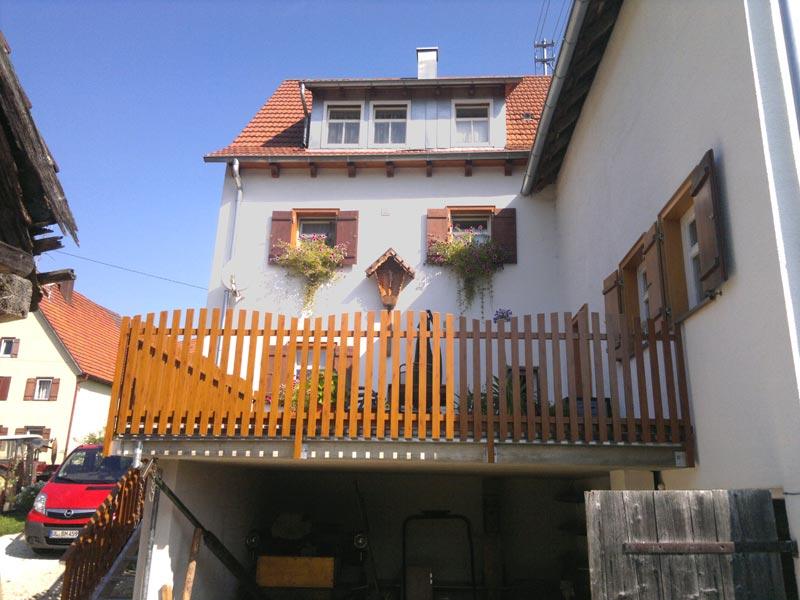 Zaun in Holzdekor