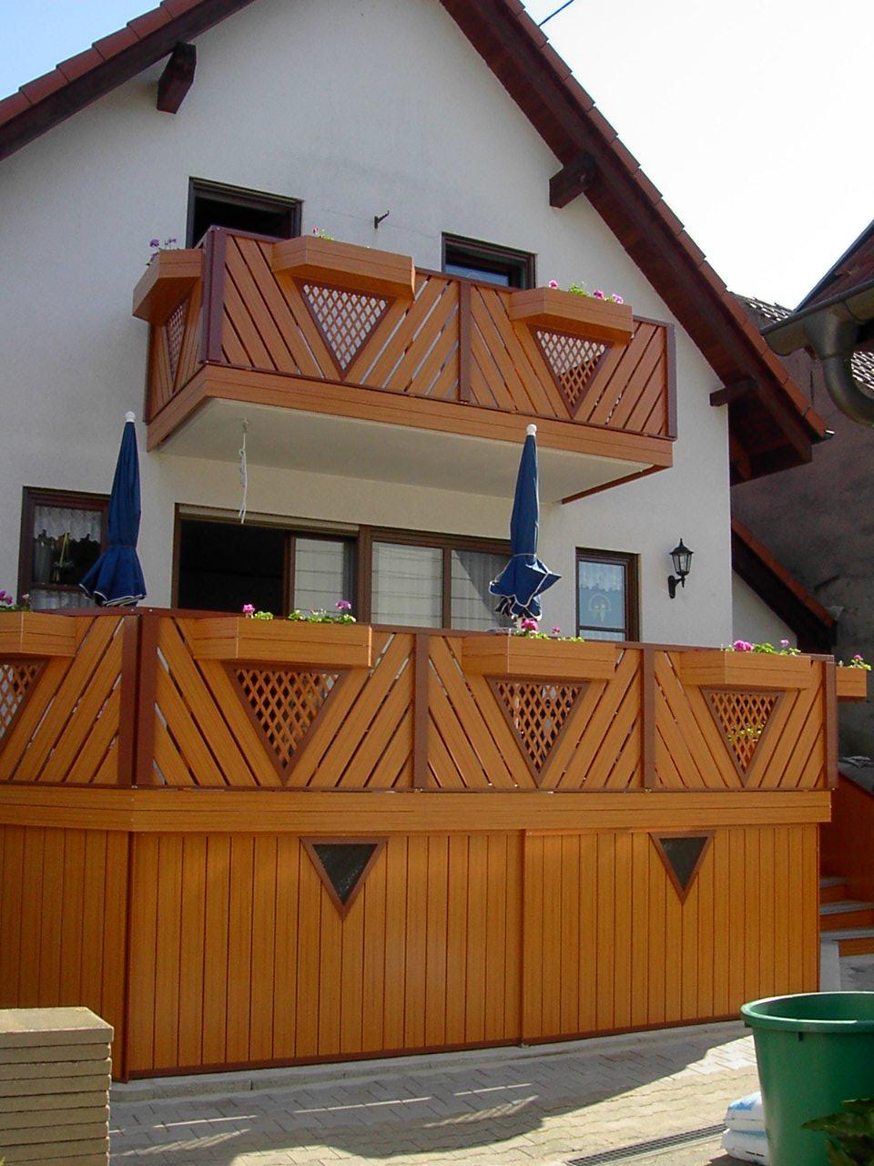 Geländer mit Abstellraum aus Alu Holzdekor