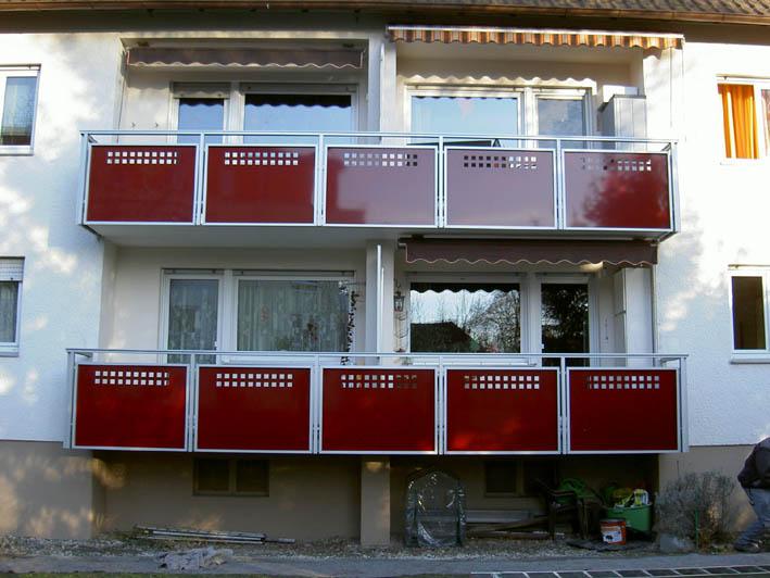 Balkon Alu rot und eloxiert